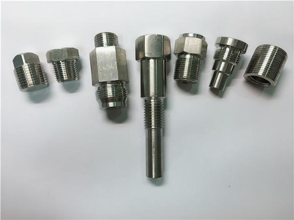 høj kvalitet oem drejebænk maskine rustfrit stål fastgørelsesmaskiner lavet af CNC-bearbejdning
