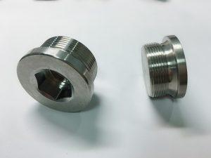 specialfremstillet ringbolt i rustfrit stål med ss nøglering