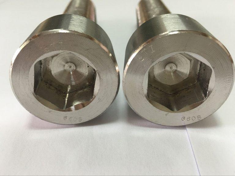 fastgørelsesmaskiner fabrikanter DIN 6912 titanium hexagon socket hoved bolt